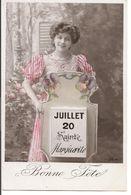 """L74A 079 - Bonne Fête - Jeune Femme Derrière Un Calendrier """"Sainte Marguerite""""  - JK - Holidays & Celebrations"""