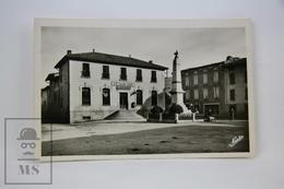 Old Postcard France - Belesta (Ariege) - La Place De La Mairie. La Poste - Sin Clasificación