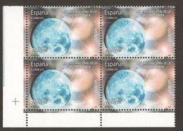 """ESPAÑA - EUROPA 2009 - TEMATICA \""""ASTRONOMIA\"""" - BLOQUE De 4  - DENTADOS  ( PERFORATED) - Europa-CEPT"""