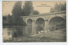 SAULGÉ - Le Pont Sur La Gartempe (pêcheur ) - Autres Communes