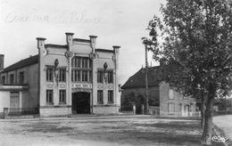 CPA Dentelée - SAINT-GERMAIN-du-BOIS (71) - Aspect Du Quartier Du Cinéma-Palace Dans Les Années 50 - Sonstige Gemeinden