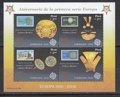 """Peru """" STAMPS ON STAMP / GOLD """" 2005 MNH - Peru"""