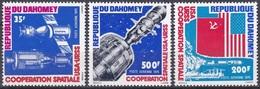 Dahomey Benin 1975 Weltraum Weltall Raumfahrt Apollo Sojus Saturn Rakekten Fahnen Flaggen Flags, Mi. 617-9 ** - Benin – Dahomey (1960-...)