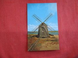 - Massachusetts > Cape Cod Old Windmill At Bass River    Ref 2823 - Cape Cod