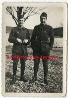 Chateaudun Le 20 Mars 1940-2 Soldats-badge Sur Uniforme-signé Roco-format 6,2x9cm - War, Military