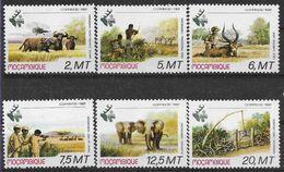 1981 MOZAMBIQUE 802-07** Animaux, éléphant, Tir à L'arc, Hélicoptère - Mozambique