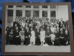 Grande Photo Sur Carton Anonyme - Groupe Avec 2 Couples De Jeunes Mariés Vers 1930 L353 - Personnes Anonymes