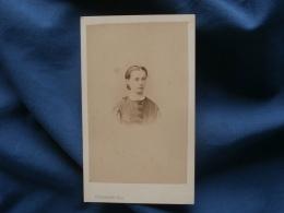 Photo CDV  Colombier à Auxerre  Portrait  Jeune Femme  Second Empire - CA 1865 - L350 - Old (before 1900)