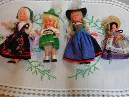 Lot De 4 Poupee  -poupee Avec Napperon - Dolls