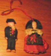 Figurine Mini Alsacien Et Alsacienne 5 Cm Année 70 - Action- Und Spielfiguren