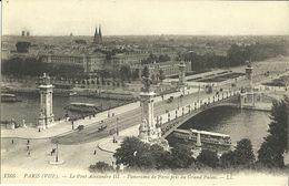 """435-""""PARIS LE PONT ALEXANDRE III PANOR. DE PARIS PRIS DU GRAND PALAIS"""" CART. ORIG ANIM-BATTELLI CARRI CAVALLI E AUTO - Ponti"""