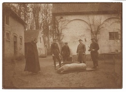 Flandre 1914-18 Environs Ypres - Photo Originale Scene Egorger Un Cochon. - Lieux