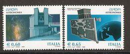 "ITALIA / ITALY /ITALIEN / ITALE  - EUROPA 2009 - TEMA ""ASTRONOMIA"" - SERIE De 2 V. . DENTADA  (PERFORATED) - 2009"
