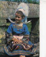 B48181 Fillette En Costume De Fouesnant - France