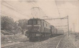 91   Pres D' Athis Mons  Le Sud Express (train 7) Remorque Par Une Machine Electrique  2D2 - Athis Mons