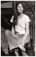 Sexy JANE BIRKIN Actress PIN UP Postcard - Publisher RWP 2003 (03) - Artisti