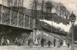 (54)  CPA Guise Pont De Fer Sortie Du Tunnel  (bon Etat) - Guise