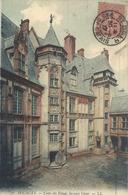 56. BOURGES . COUR DU PALAIS JACQUES COEUR . AFFR LE 30-9-1907 SUR RECTO - Bourges