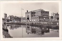 10 - TROYES (Aube) - La Piscine Et Le Quai La Fontaine - 1960 - Troyes