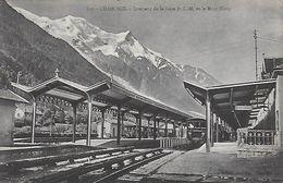 73)  CHAMONIX -  Intérieur De La Gare Et Le Mont Blanc - Chamonix-Mont-Blanc