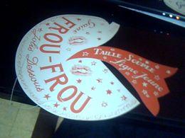Publicitee Chapeau De Clown En Carton Non Utilisee Lingerie Gaine  Froufrou  Jolis  Dessous (rouge) - Caps