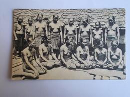 SINGAPOUR-Groupe De Femmes Aux Seins Nus-1908 - Singapur