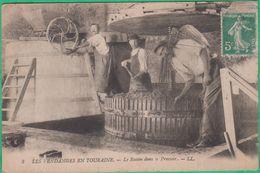 37 - Les Vendanges En Touraine - Le Raisin Dans Le Pressoir - Editeur: LL N°3 - Andere Gemeenten