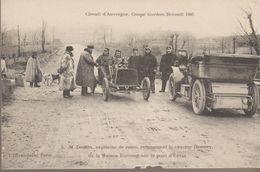 Circuit D'auvergne, Coupe Gordon Bennett 1905. M Desson Rencontrant Le Coureur Hemery - Non Classés