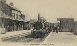 80)  VILLERS  BRETONNEUX      -  Intérieur   De La   Gare     (    Train   ) - Villers Bretonneux