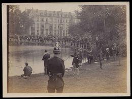 A IDENTIFIER - AUTHENTIEKE FOTO 1897 - CONCOURS DE PÊCHE A LA LIGNE - 12 X 8.5cm PHOTO AUTHENTIQUE - Bruxelles ? - Cartes Postales