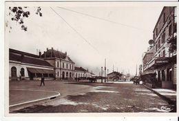 Cpsm Roanne  La Gare - Roanne