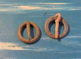 Lot De 2 Boucle De Ceinture En Bronze Ronde - Fermail ? (romaine Ou Moyen Age) - Archeologie