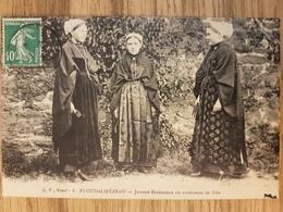 Ploudalmezeau.jeunes Bretonnes En Costumes De Fête.coiffes.édition LP - Ploudalmézeau