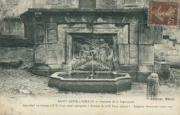 21 SAINT SEINE L'ABBAYE /   Fontaine De La Samaritaine / - France