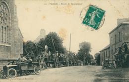 22 PLOEUC SUR LIE /  Route De Moncontour / Machines Agricoles / - Pleubian