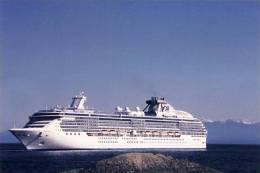 Cruise Ship Princess Cruise Line The Island Princess Near Victoria, B.C. Canada - Passagiersschepen
