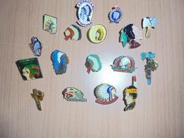 LOT DE + DE 17 PIN'S : INDIENS - Badges