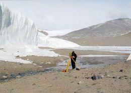 1 AK Antarctica Antarktis * Anderson Creek Near Lake Hoare In The Transantarctic Mountains - Ansichtskarten