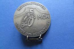 Brosche, Broche, Médaille, MOTO, Motorradtreffen Singen Am Hohentwiel MCH 1977, Bike,Töff, 5x6cm - Motorbikes