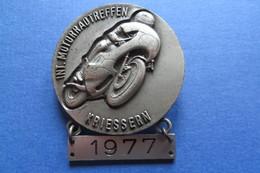 Brosche, Broche, Médaille, MOTO, Int. Motorradtreffen Kriessern 1977, Bike,Töff, 4x4,7cm - Motorbikes