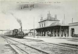 TRAIN : PITHIVIERS - L'intérieur De La Gare - Les Quais - Pithiviers