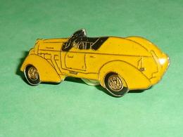 Pin's / Automobile  : Décapotable   TB2W - Ferrari