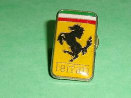 Pin's / Automobile  : Logo , Ferrari  TB2W - Ferrari