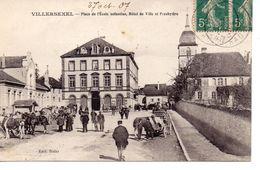 CPA 70 - VILLERSEXEL - PLACE DE L'ECOLE ENFANTINE - HOTEL DE VILLE ET PRESBYTERE - Other Municipalities