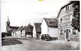 68 - FESSENHEIM - Rue Principale (carte Neuve Café Restaurant Aux Deux Clkefs - Fessenheim