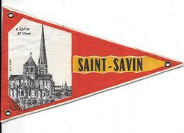 FANION  -Armoiries, Blason, Ecusson,Héraldique   -SAINT-SAVIN (Vienne) L'EGLISE DU XIe Siècle - Editeur FASOCA REF 594 - Ecussons Tissu