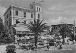 Cartolina Marina Di Massa Albergo Italia 1958 Animata - Massa
