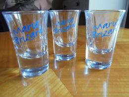 Ancien - Petit Lot De 3 Verres à Liqueur Publicité Marie-Brizard - Alcohols