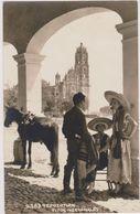 CARTE PHOTO,AMERIQUE,MEXIQUE,MEXICANOS,MEXICO,1933,TEPOZ OTLAN,TEPOTZOTLAN,CATHEDR ALE,CHAPEAU,FEMME,ENFANT, CHEVAL - Mexique