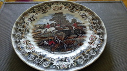 - Hunt Court - Full Cry & The Find - 2 Ceramik Plates Herring's Hunt By Churchill - 2 ASSIETTES CHASSE A COURRE VENERIE - Churchill